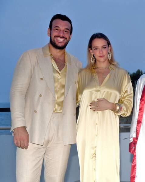 Pauline Ducruet , 27 ans, s'est s'affiché au bras d'un homme d'affaires, pour participer à la soirée sur le thème ABBA, le 24 juillet