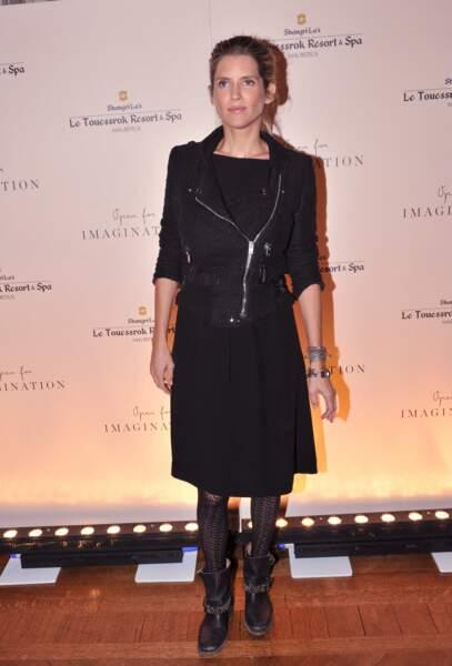 Alice Taglioni en 2015 : enceinte et radieuse en robe noire à Paris