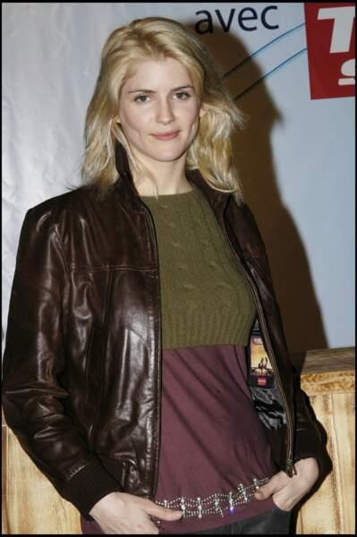 Alice Taglioni en 2006 : no make-up et blond polaire au festival de l'Alpe d'Huez