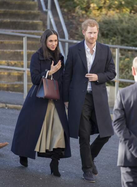 Mehan Markle aime porter de longs manteaux élégants pour allonger sa silhouette élancée
