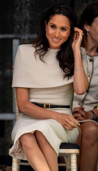 Meghan Markle sublime en robe crème élégante