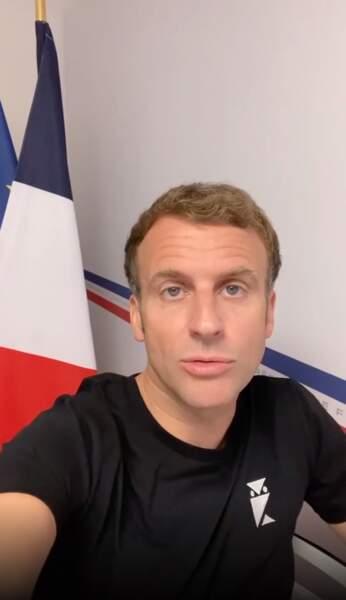 Emmanuel Macron le 1er août 2021 en tee-shirt sur Instagram. Le président de la République fait de la prévention concernant la 4ème vague de Covid-19 en France