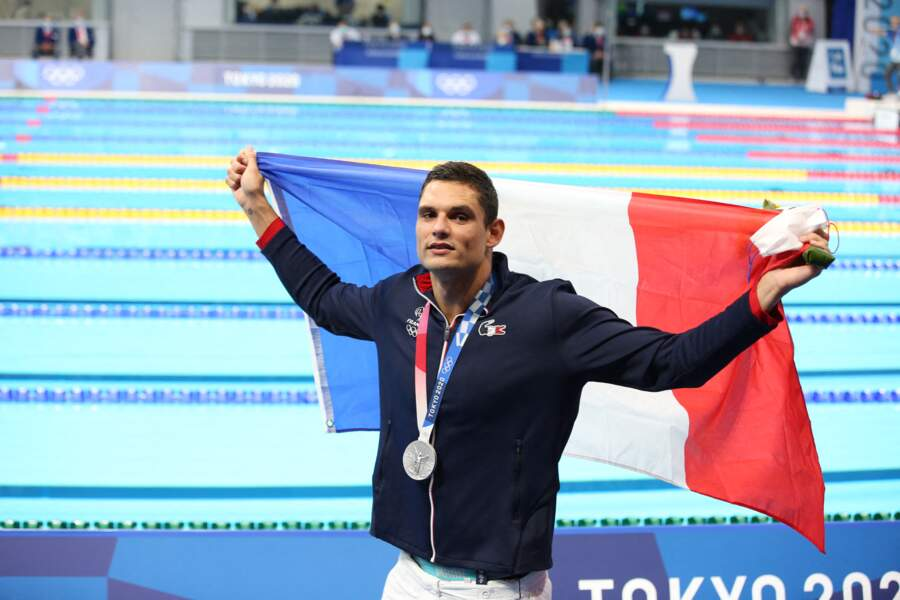 Quelques minutes après avoir décroché sa médaille, Florent Manaudou a eu une autre bonne surprise.