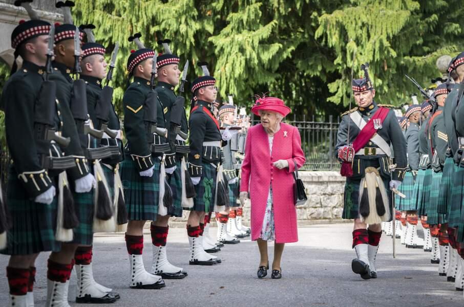 Elizabeth II en vacances : son arrivée royale à Balmoral, le 9 août 2021.