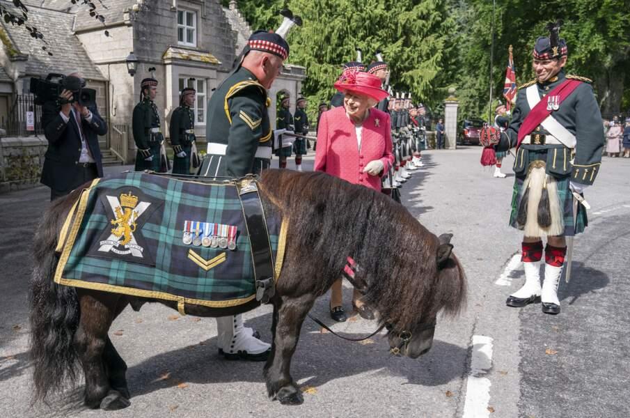 Ce lundi 9 août, la reine Elizabeth II est finalement arrivée dans sa résidence à Balmoral, en Écosse.