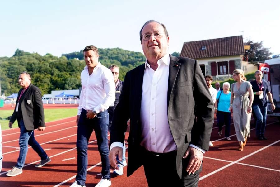 François Hollande a assisté avec Julie Gayet à un match de rugby à Tulle, ce vendredi 13 août.
