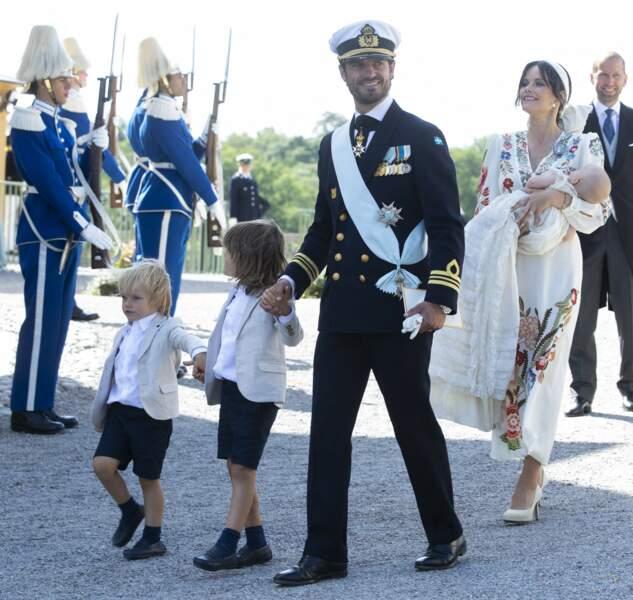 Contrairement à ceux de ses deux frères et à ses cousins, le baptême du fils cadet du prince Carl Philip et de la princesse Sofia, n'a pas été retransmis en direct à la télévision.