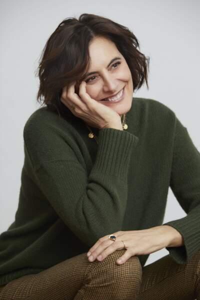 Inès de la Fressange pose pour sa collaboration avec Notshy.