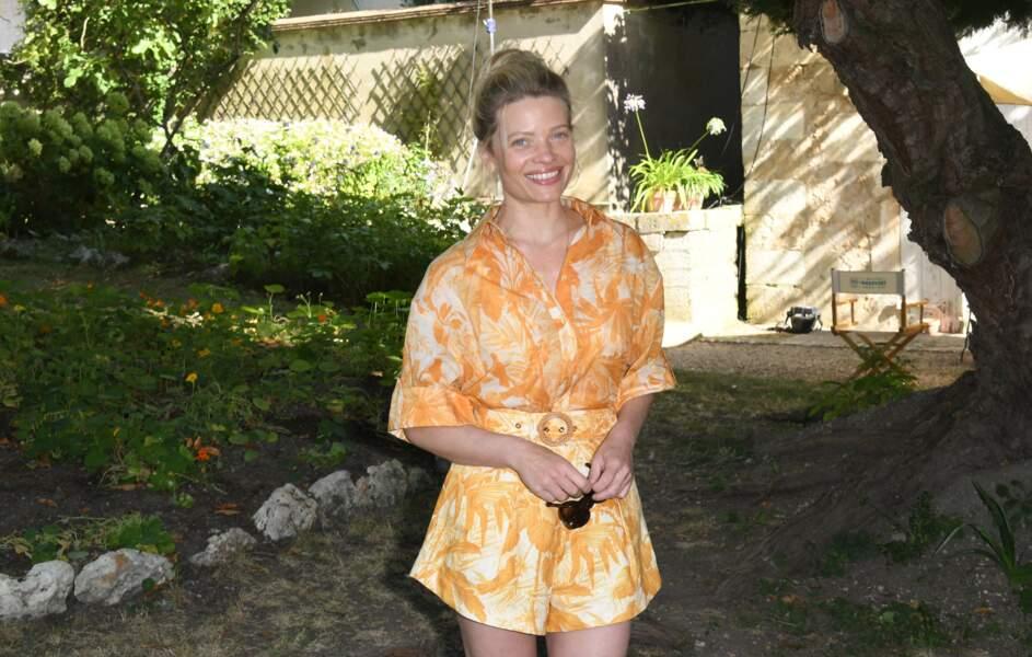 Mélanie Thierry arborait un look estival sous le soleil d'Angoulême.