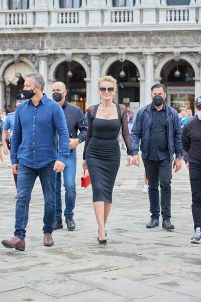 Sharon Stone lors d'une séance photo pour Dolce & Gabbana à Venise, Italie, le 27 août 2021.
