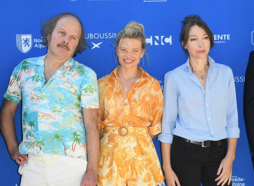 Ce 27 août 2021, Mélanie Thierry est apparue aux côtés de Philippe Katerine et Jeanne Cherhal.