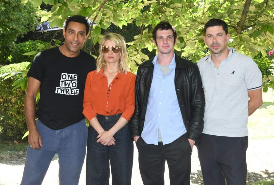 """Photocall du film """"Une vraie famille"""" avec Mélanie Thierry, Félix Moati, Lyes Salem et le réalisateur Fabien Gorgeart."""