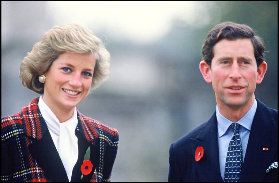 La princesse Diana et son blazer en tweed, visitait les châteaux de la Loire avec le prince Charles