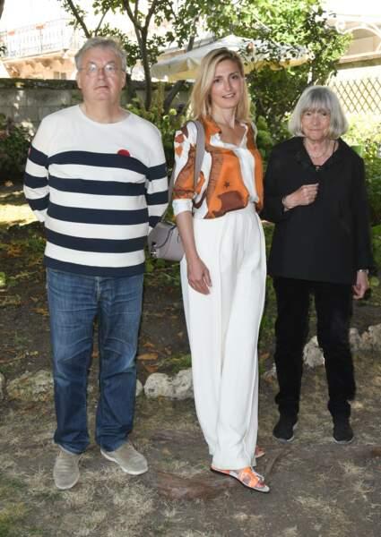 Julie Gayet a accepté une proposition inattendue de Dominique Besnehard, pour le 14e Festival du film francophone d'Angoulême