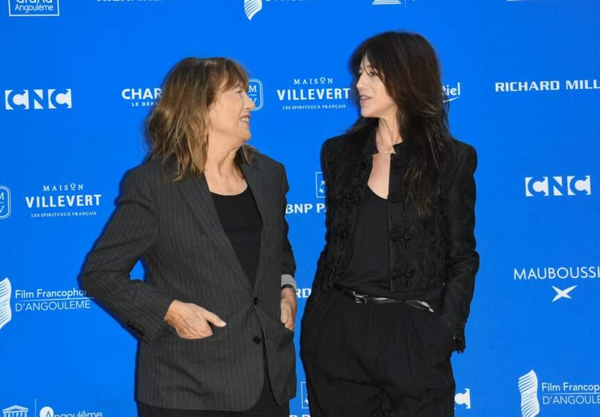 Jane Birkin et sa fille Charlotte Gainsbourg très proches au Festival du Film Francophone d'Angoulême le 27 août