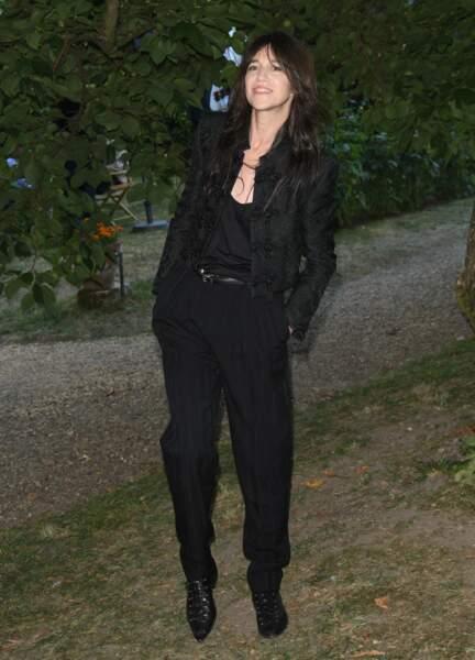 Charlotte Gainsbourg a opté pour un total look noir lors du 14ème Festival du Film Francophone d'Angoulême le 27 août