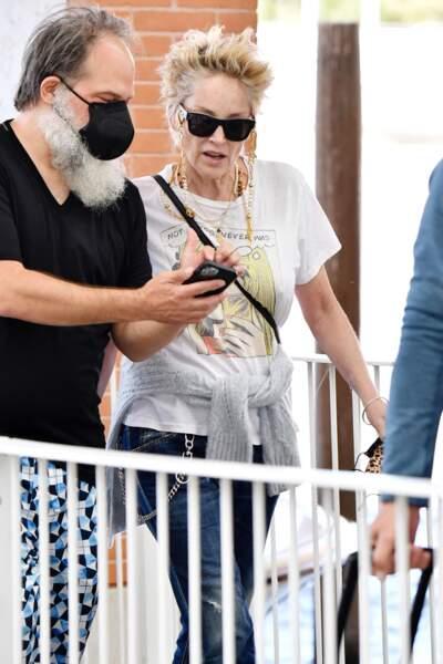 Sharon Stone dans les rues de Venise ce 28 août