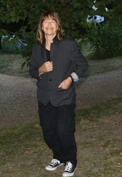 Jane Birkin vêtue de noir et gris pour sa venue au Festival du Film Francophone d'Angoulême