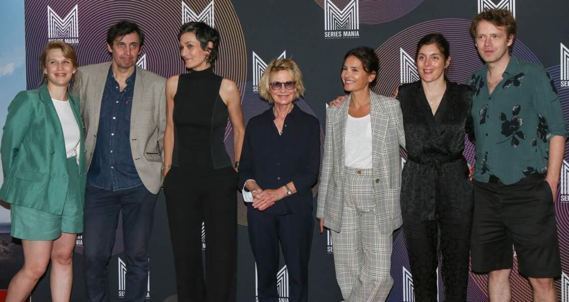 """Les acteurs du film """"Nona et ses filles"""" sur le tapis rouge du Festval Series Mania à Lille, le 30 août 2021."""