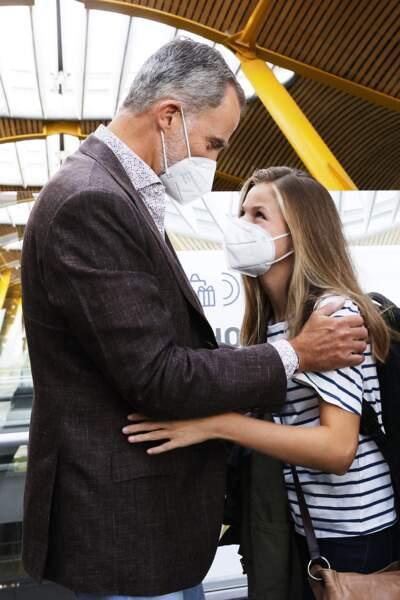 Le roi Felipe VI a lui aussi dû dire au revoir à sa fille, la princesse Leonor, à l'aéroport de Madrid, le 30 août 2021