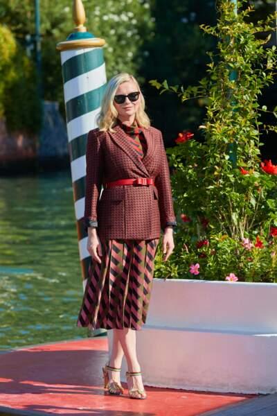Kirsten Dunst en total-look Ferragamo, à la Mostra, le 1er septembre 2021.