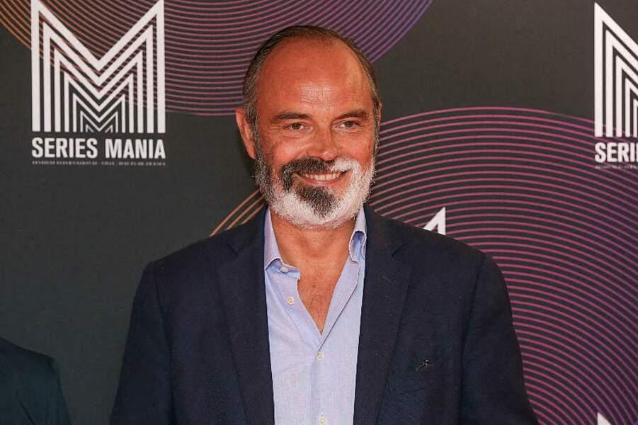 Edouard Philippe, l'ancien premier ministre a fait sensation sur le tapis rouge du Festival Series Mania à Lille, France, le 30 août 2021