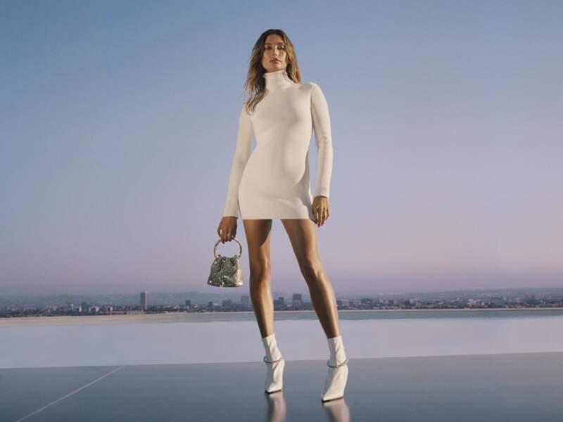 Hailey Bieber dans la nouvelle campagne Jimmy Choo automne-hiver 2021/2022