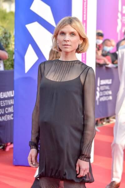 L'actrice française de 38 ans a ébloui la Normandie avec son ventre arrondi à Deauville