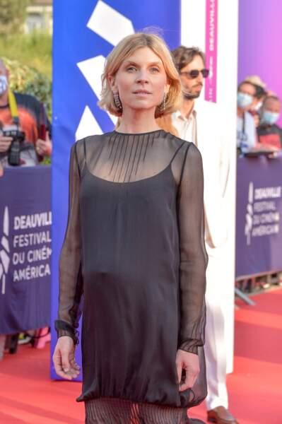Clémence Poésy, présidente du jury pour la Révélation sur le red carpet de Deauville