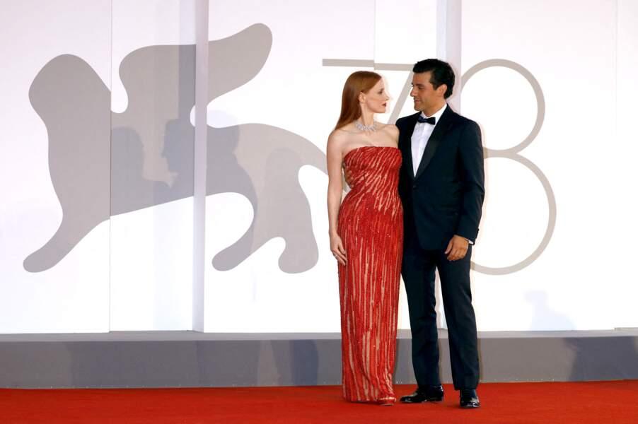 Jessica Chastain et Oscar Isaac très complice sur le tapis rouge de la Mostra, le 4 septembre