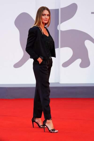 Caroline Receveur a fait le déplacement jusqu'à Venise pour la Mostra de Venise, le 4 septembre