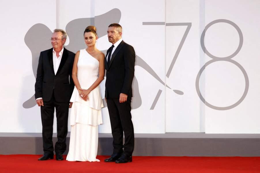 Oscar Martinez, Penelope Cruz et Antonio Banderas lors du photocall de la Mostra de Venise, le 4 septembre