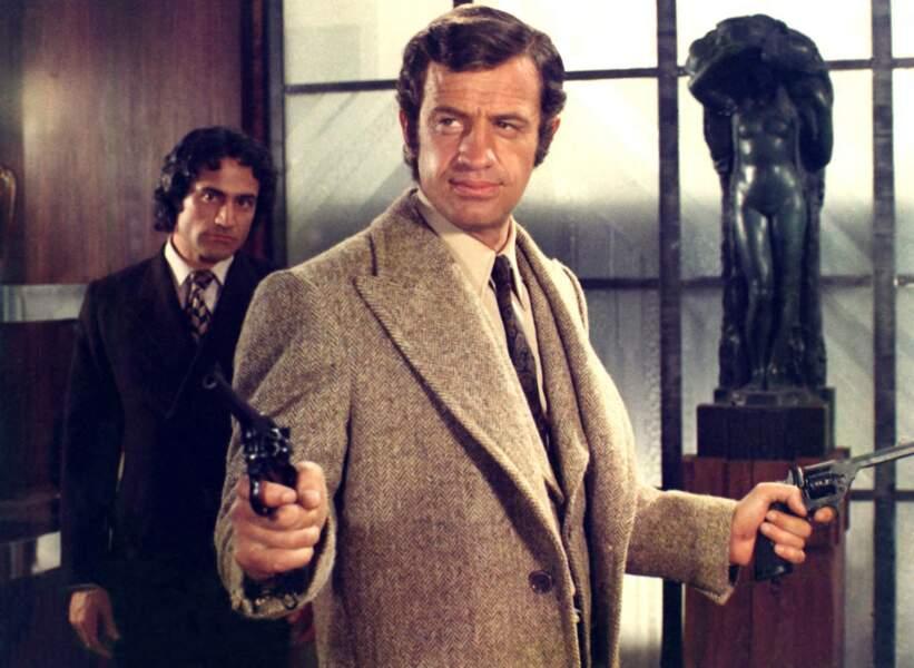"Jean-Paul Belmondo sur le tournage du film ""La scoumoune"". 1972"