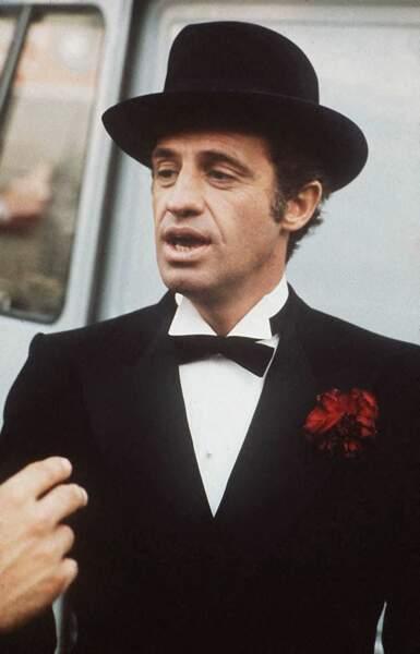 "Jean-Paul Belmondo sur le tournage du film ""Stavisky"". 1974"