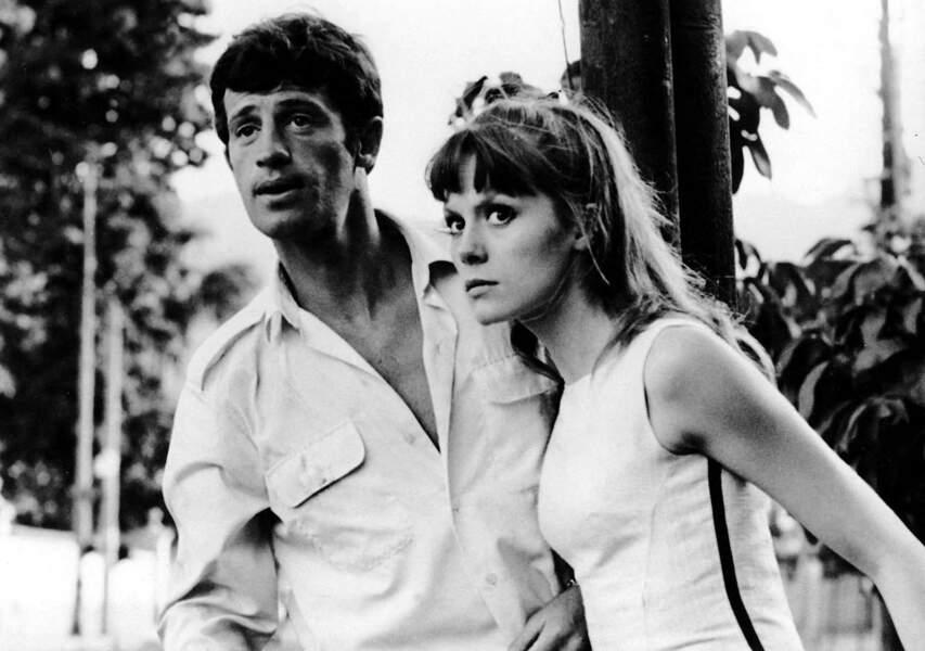 """Jean-Paul Belmondo et Françoise Dorleac  sur le tournage du film """"L'homme de Rio"""". 1964"""
