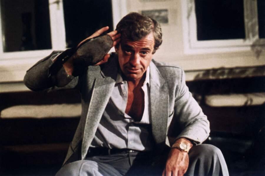 """Jean-Paul Belmondo sur le tournage du film """"Le guignolo"""". 1980"""