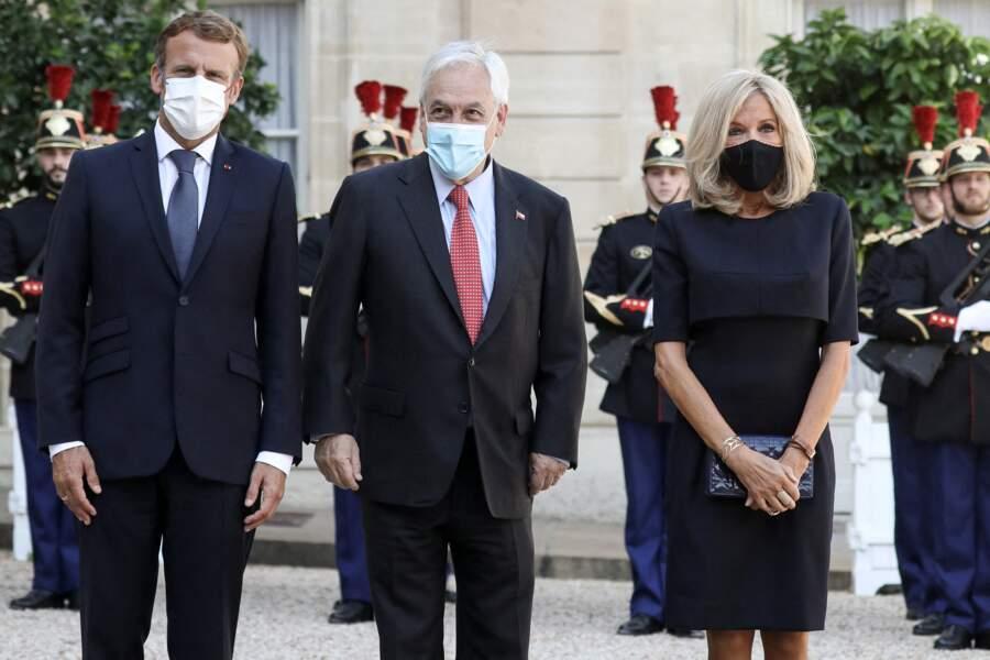 Emmanuel Macron et Brigitte Macron très élégants pour recevoir le président de la République du Chili, Sebastiàn Pinera, à l'Elysée, le 6 septembre 2021.