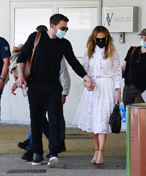 Jennifer Lopez et son compagnon Ben Affleck arrivent à la Mostra de Venise, le 9 septembre 2021.