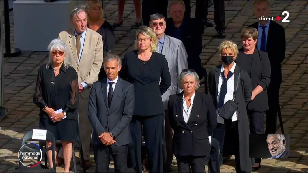 Paul et Luana Belmondo et le clan Belmondo lors de l'hommage national à Jean-Paul Belmondo dans la cour des Invalides, à Paris, le jeudi 9 septembre 2021.