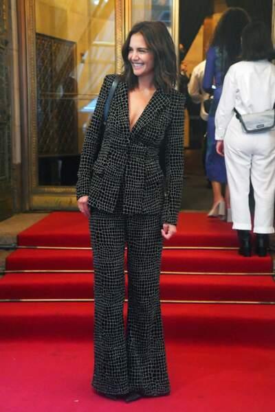 Katie Holmes porte un total-look Christian Siriano pour assister au défilé du créateur à New York, le 7 septembre 2021.