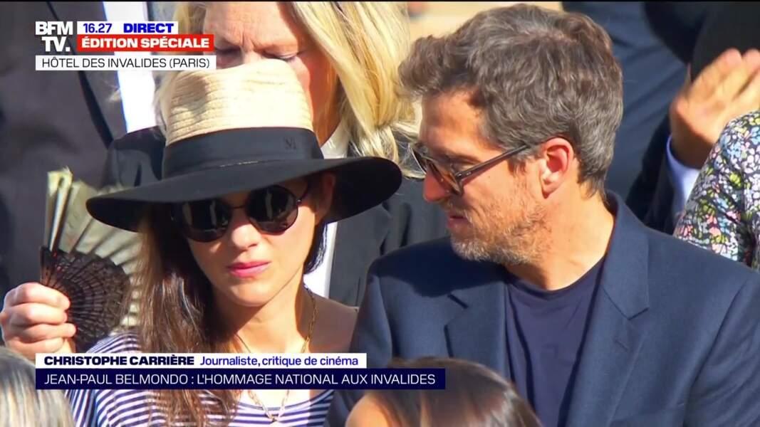 Guillaume Canet et Marion Cotillard lors de l'hommage national à Jean-Paul Belmondo dans la cour des Invalides, à Paris, le jeudi 9 septembre 2021.