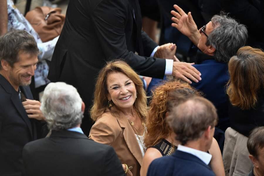 Nicole Calfan et Guillaume Canet durant l'hommage national à Jean-Paul Belmondo dans la cour des Invalides, à Paris, le jeudi 9 septembre 2021.