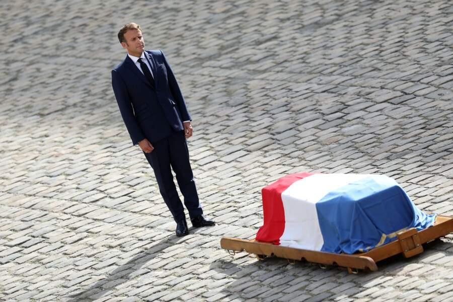 Emmanuel Macron lors de la cérémonie d'hommage national à Jean-Paul Belmondo à l'Hôtel des Invalides à Paris, France, le 9 septembre 2021.