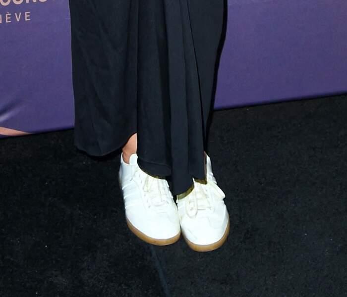 Katie Holmes et une paire de baskets blanches tendance, le 8 septembre 2021.