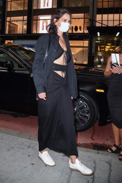 Katie Holmes mise sur un look en noir et blanc pour une soirée à la maison Vacheron Constantin à New York le 8 septembre 2021.