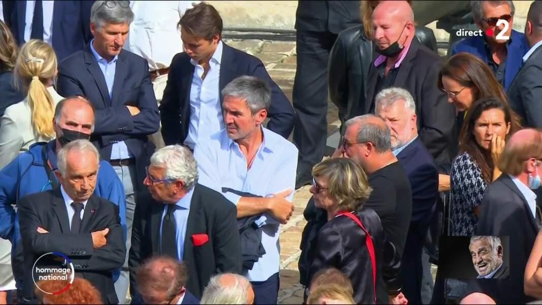 Alain Terzian et Michel Boujenah lors de l'hommage national à Jean-Paul Belmondo dans la cour des Invalides, à Paris, le jeudi 9 septembre 2021.
