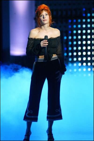 Mylène Farmer sur la scène des NRJ Music Awards en 2003