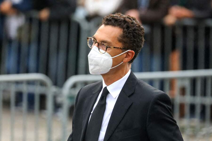 Maxime Saada à son arrivée aux obsèques de Jean-Paul Belmondo, à l'église Saint-Germain-des-Prés, à Paris, le 10 septembre 2021