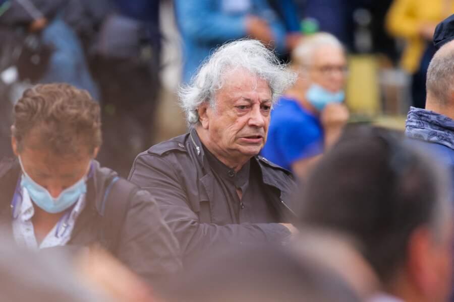 Hervé Vilard à son arrivée aux obsèques de Jean-Paul Belmondo, à l'église Saint-Germain-des-Prés, à Paris, le 10 septembre 2021