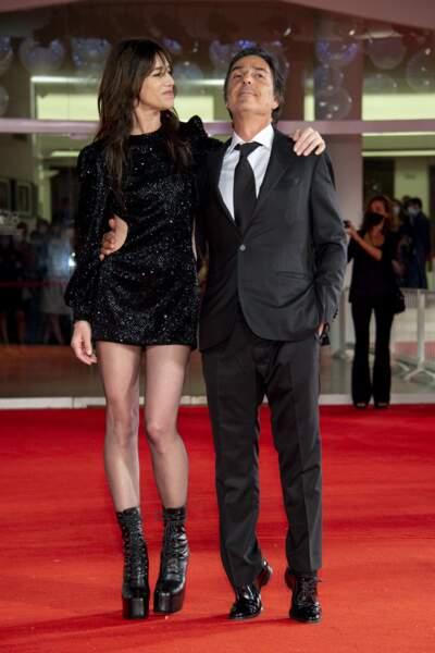 Charlotte Gainsbourg et Yvan Attal, un couple successfull et élégant à la Mostra de Venise, le 9 septembre 2021.
